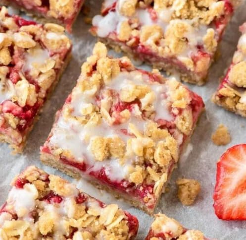 strawberry bars with oatmeal crumble topping